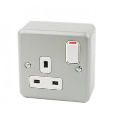 Electrical 1 Gang Metal Switched Socket
